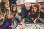"""ЧСОУ """"Артис"""" предоставя обучение по чужди езици и изкуства, съобразено с най-новите тенденции в европейското образование и е сред училищата, работещи по европейски програми."""