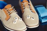 ОБУВКИТЕ НА МЛАДОЖЕНЕЦА - ПРАВИЛНИЯТ ИЗБОР - Много модни експерти смело заявяват, че стила на един мъж се познава по обувките и часовника. Затова решихме да посветим тази статия именно на избора на обувки. Ще ви разкажем за актуалните тенденции, цветови решения и алтернативи на класическите обувки за сватба. - МЛАДОЖЕНЕЦЪТ