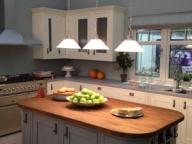 В тази статия ще Ви дадем няколко съвета, как домът Ви да стане енергийно ефективен. Не се притеснявайте, няма да са Ви необходими много пари за да стане това. Следвайте само тези няколко прости и лесни стъпки. Променете навиците си и драстично ще намалите разходите си на дома си. - Полезно