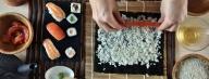 Как да си приготвим суши?  Всички любители на неповторимия източен деликатес суши със сигурност биха искали да го хапват не само в ресторанта, но и у дома.  http://goo.gl/tVXhbX - Суши