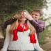 Коледните празници са може би най-популярното време, през цялата година за предложение за брак. Но също така и най-подходящото. Защо ли? Ами защото, така или иначе за повечето хора, това е много дълго чакан празник. Плюс това няма да е необходимо да похарчите цяло състояние за декор или да мислите за специално място, защото е Коледа и всяко място е специално! Навсякъде, дори и пред украсеното коледно дърво в парка е подходящо да зададете Въпросът.