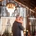 ТАТКОВЦИТЕ НА СВАТБАТА - За много булки, това да покажат своята любов и признателност към своя баща е може би най-важната и най-емоционалната част от сватбата. Покажете, колко сте му благодарна за всичко като го включите по-активно в сватбения ден. Той със сигурност ще е повече от очарован!