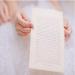СВАТБЕНИТЕ ОБЕТИ - Произнасянето на сватбени обети е традиция, изключително традиционна за американската сватбена култура. В Европа и в частност в България се появява сравнително от скоро. Самата традиция бележи своето начало още от най-древни времена, когато младоженците засвидетелстват своята любов, произнасяйки клетви във вярност.